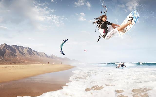 Kitesufer op het strand