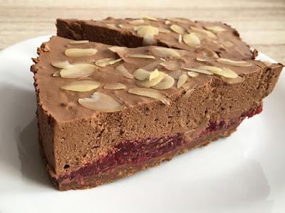 Mus czekoladowy z malinami bez pieczenia
