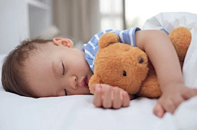 The right time for a baby to take a nap