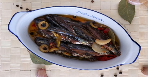 Gourmet Tuyo (Dried Herring) In Spicy Oil Recipe