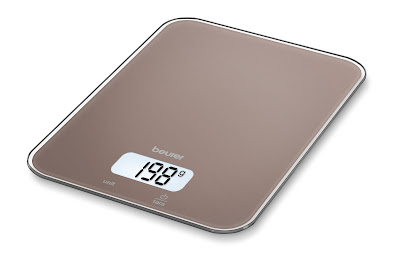 Nên mua cân cơ học hay cân điện tử để theo dõi cân nặng?