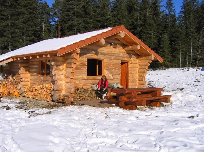 home and garden les fustes des maisons en rondins de bois. Black Bedroom Furniture Sets. Home Design Ideas