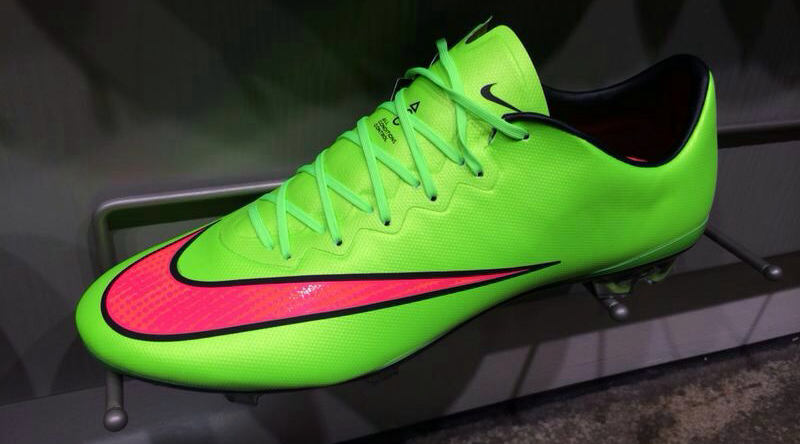 NIKE MERCURIAL VAPOR X ELECTRIC GREEN   VOLT   HYPER PUNCH   BLACK.  Together with the green Nike Mercurial Superfly IV 2014 Boot b26effd1d