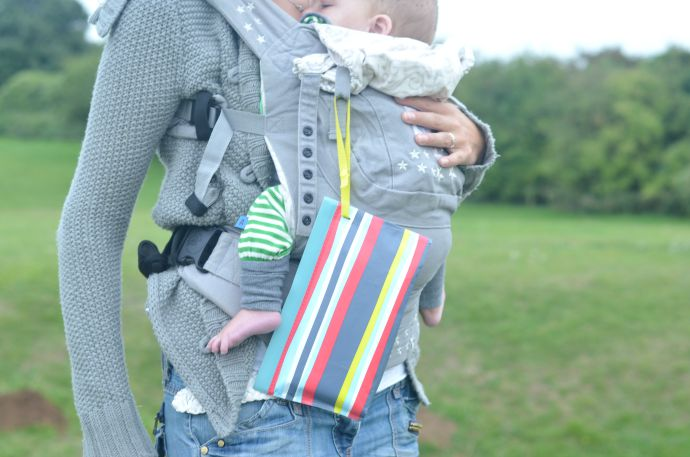huggies style on the go, babywearing, Ergo, albababy