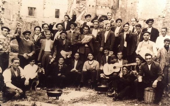 Homenaje a los 50 asesinados del franquismo en Olite (Navarra)