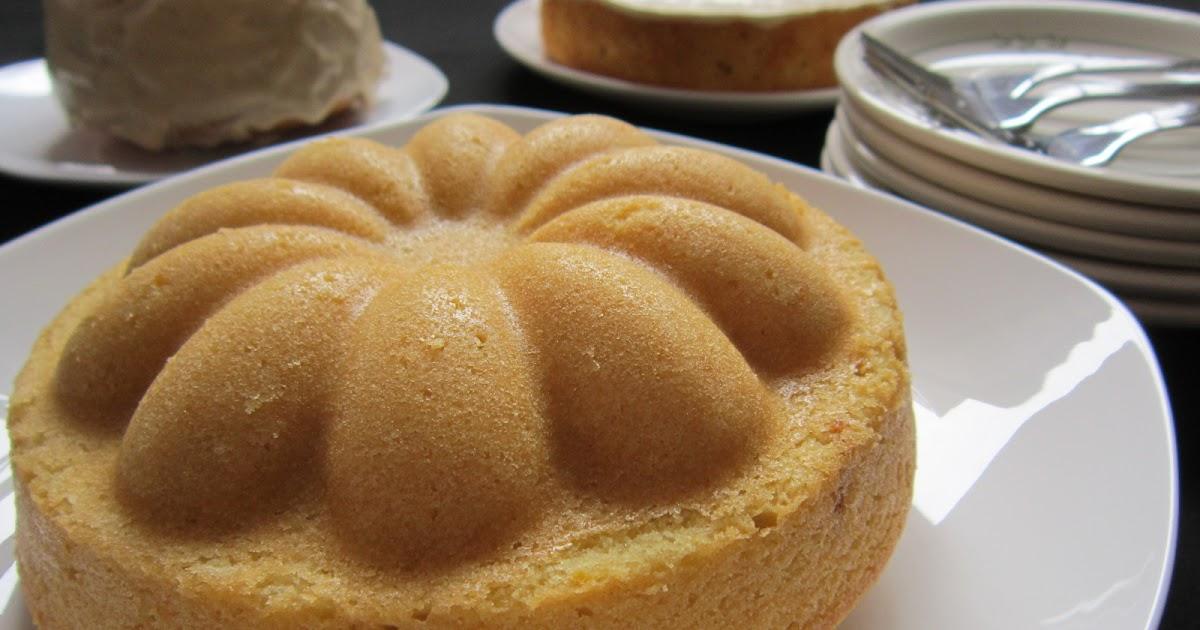 My Bare Cupboard: Cream Cheese Pound Cake