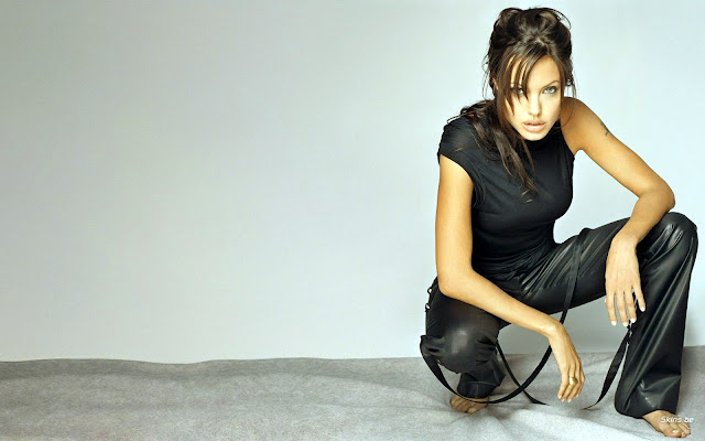 angelina-jolie-most-popular-wallpaper