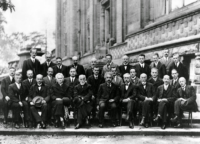 17 of the 29 attendees were or became Nobel Prize winners.