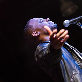 Todd dulaney_Consuming fire mp3  Download + Lyrics
