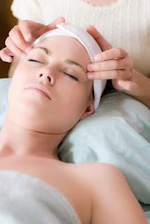 holistic-facial-in-glenwood Facials 101: Benefits & Risks of FacialsFacial Aesthetics