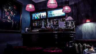 Wallpaper: Interior Bar Design