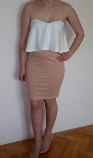 www.cndirect.com/women-fashion-sexy-elegant-two-pieces-strapless-sleeveless-backless-ruffle-crop-tops-and-solid-pencil-skirt-set.html?utm_source=blog&utm_medium=cpc&utm_campaign=Carly177