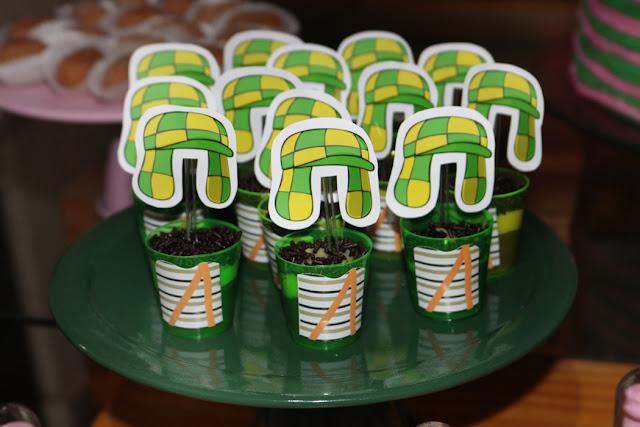 festa do chaves brigadeiro de copo Chaves e Chiquinha
