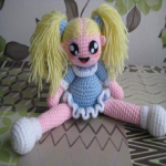 http://www.patrones.com.es/muneca-amigurumi-girl/