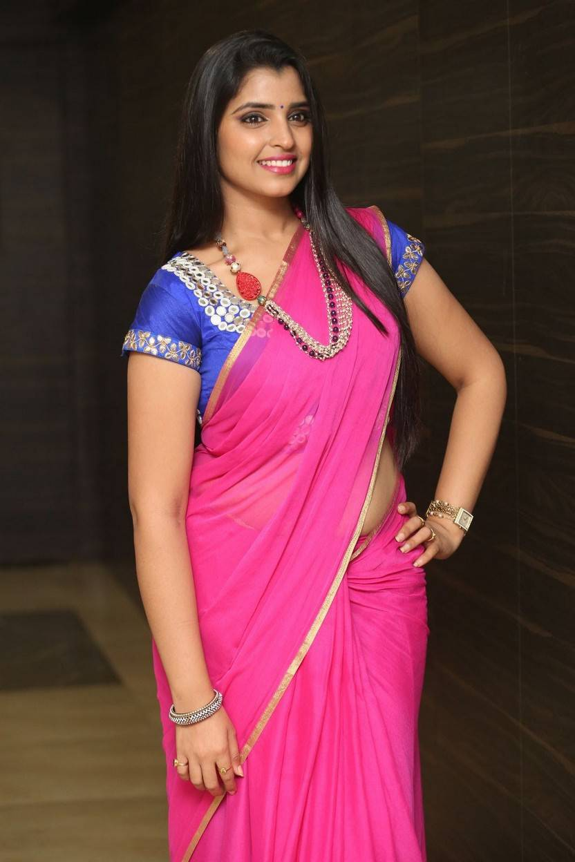 Telugu Anchor Shyamala Hot Hip Navel In Pink Saree At Movie Audio Launch