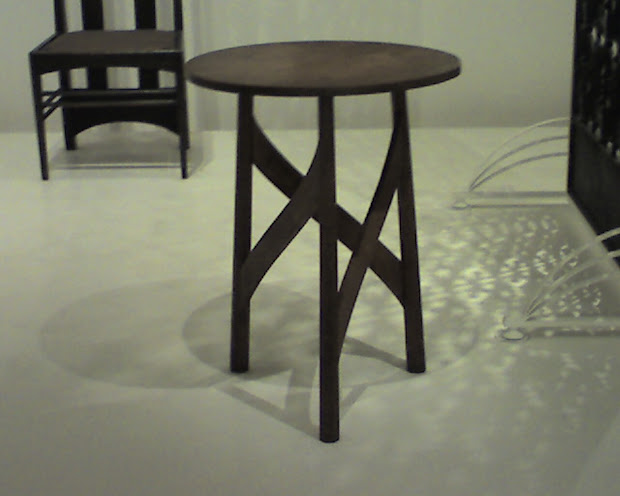 Furnitude Moma Table