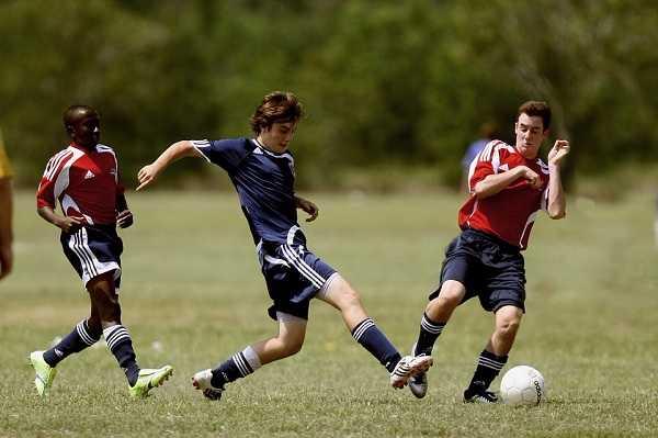 Sepak Bola (Football) - Pelangi Blog