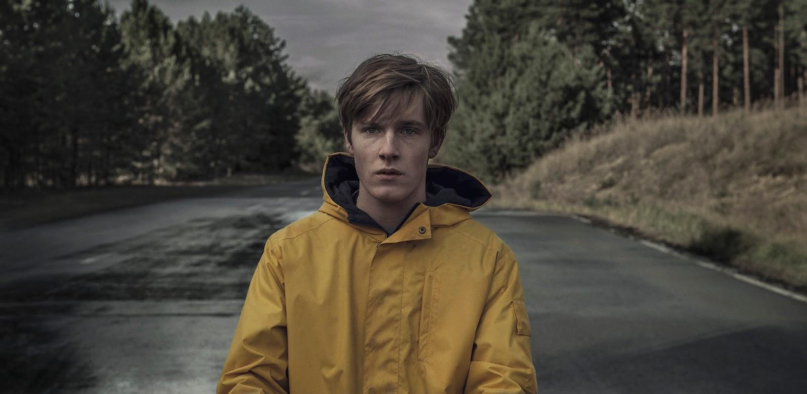 Fotografía de Louis Hofmann en 'Dark', nueva serie alemana de Netflix