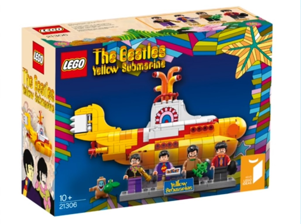 Colectomania: We all live in a LEGO Submarine...!!