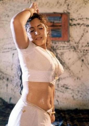Malayalam Actresses wet saree navel show