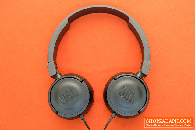 softbox light setup - JBL T450 Headphones