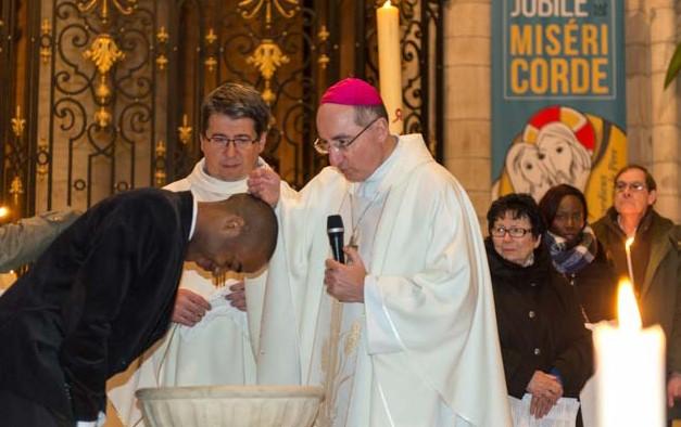 Baptême d'Anicète Cathédrale de Sens 2016