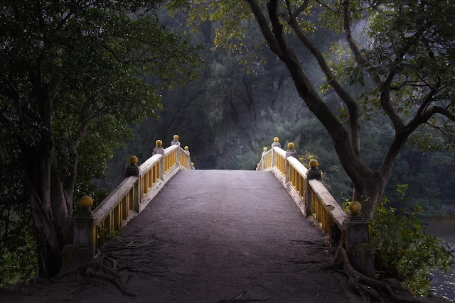 Hurricane Images Inc - Magic bridge, China