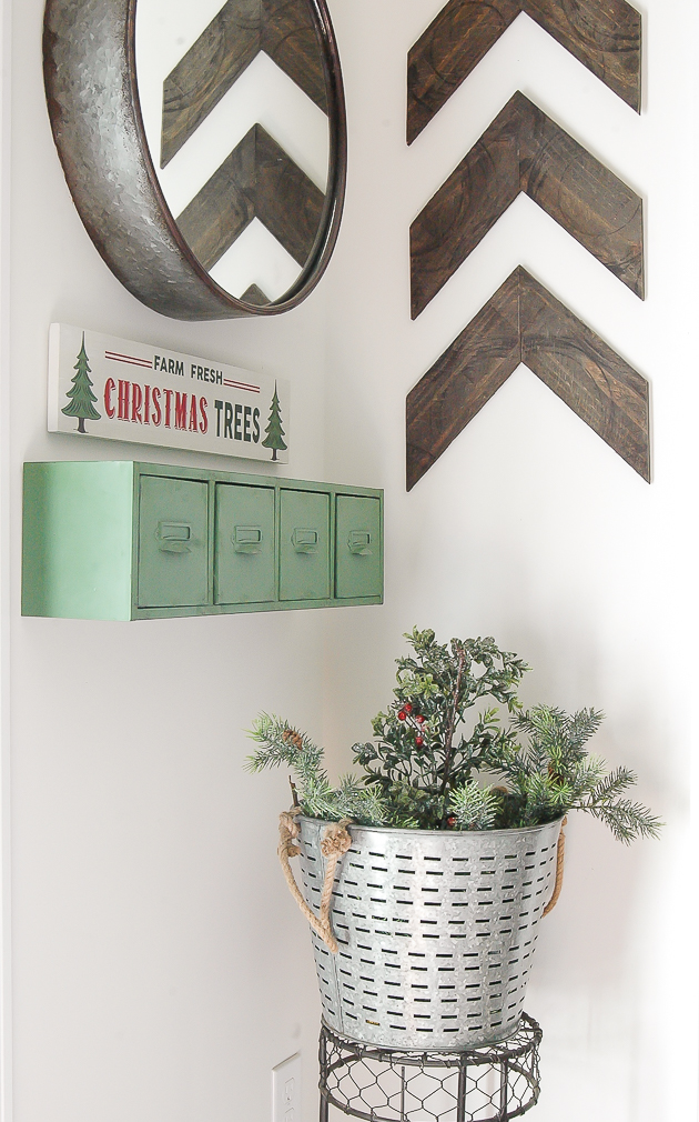 Christmas Home Tour- Mudroom