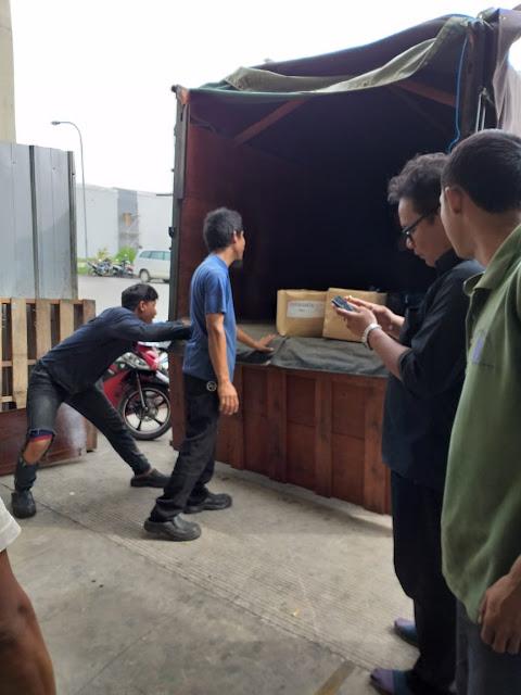 Sewa Truk Karawang ke Medan