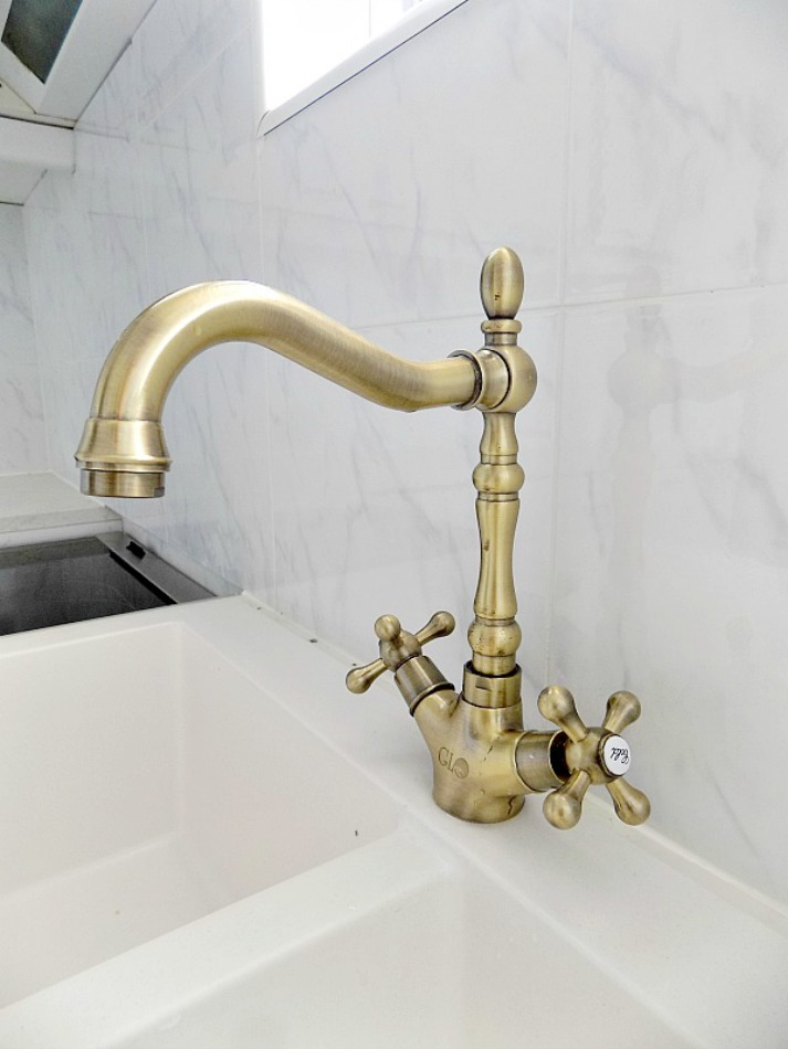 Brass faucet for the kitchen