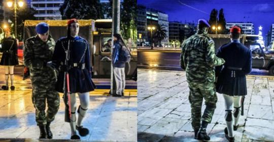 Με Τζιπ η αλλαγή φρουράς στον Άγνωστο Στρατιώτη – Συγκινητικές εικόνες