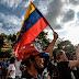 Ataque de grupo armado durante consulta opositora deixa dois mortos em Caracas