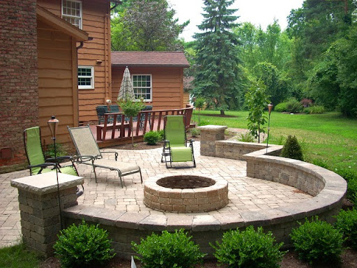 Outdoor patio with firepit; outdoor patio ideas; outdoor patio designs; outdoor patio design ideas; outdoor patio diy; backyard patio; backyard patio designs; backyard patio design ideas; backyard patio firepit; backy; backyard design ideas; diy backyard designs; diy bakyard patio; small backyard patio ideas