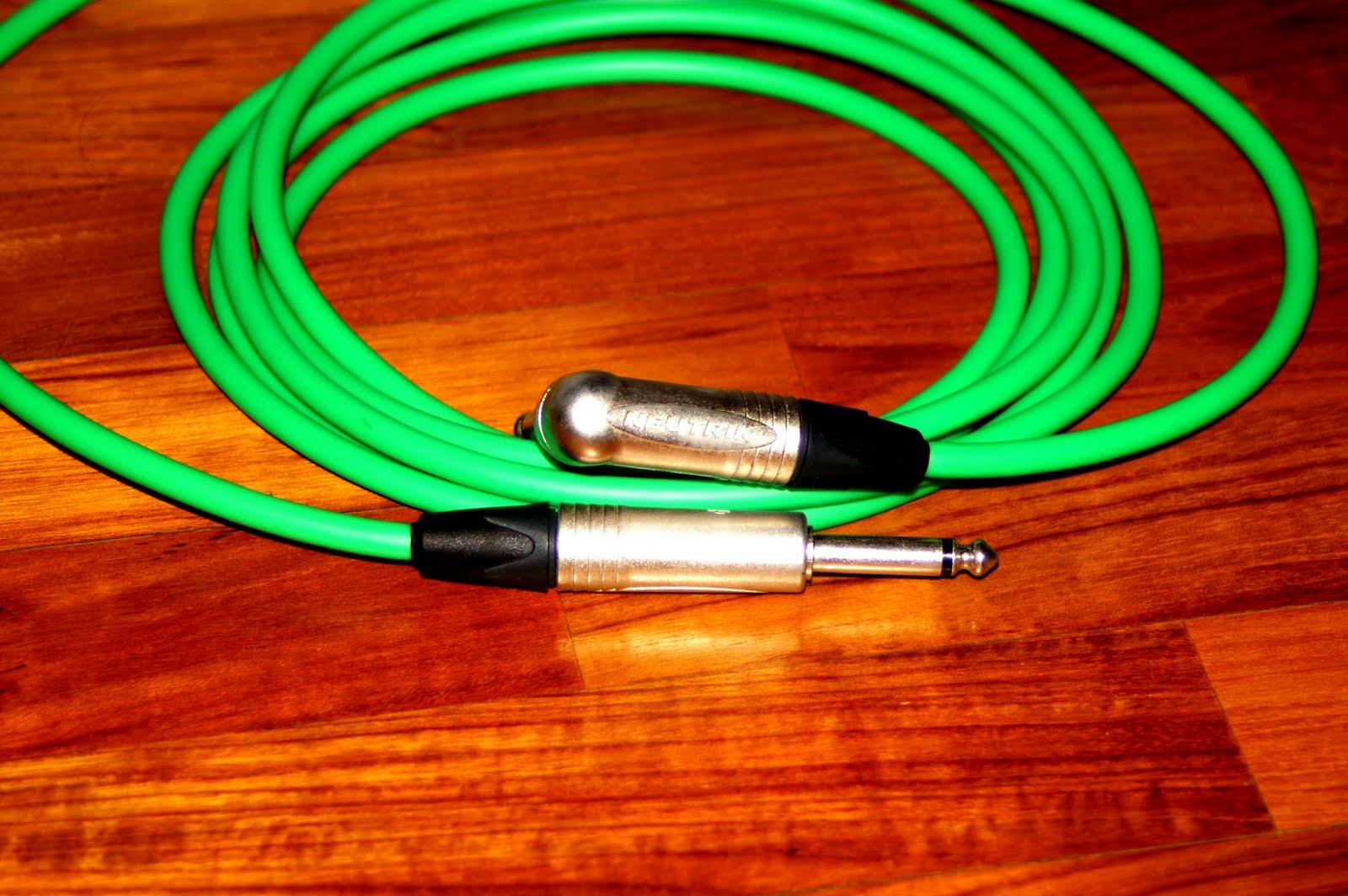 ザギターオタク The Guitar Otaku: Canare cables and Neutrik Jacks
