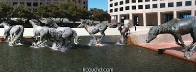 تماثيل الأحصن في لاس كوليناس