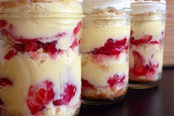o Blog Bolos de Liquidificador ensina a fazer uma deliciosa torta gelada de morango