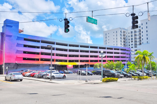 The graffiti wall art of hollywood florida for Downtown hollywood mural project