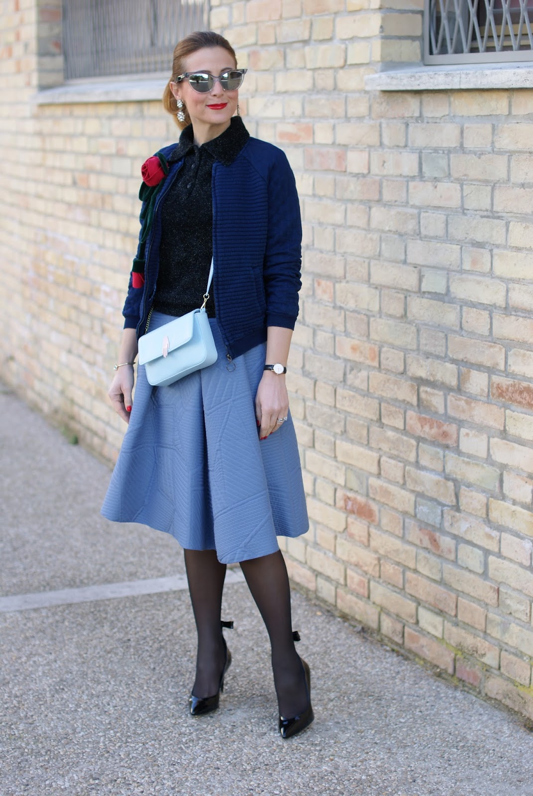 Valentine's day outfit with bomber jacket, Lazzari bag, asymmetrical midi skirt, Sergio Amaranti shoes on Fashion and Cookies fashion blog, fashion blogger style