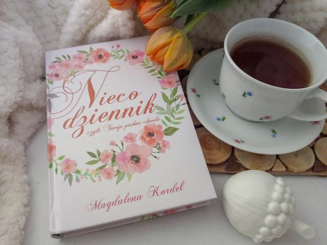 """""""Nieco dziennik, czyli Twoje piękne chwile"""" - Magdalena Kordel"""