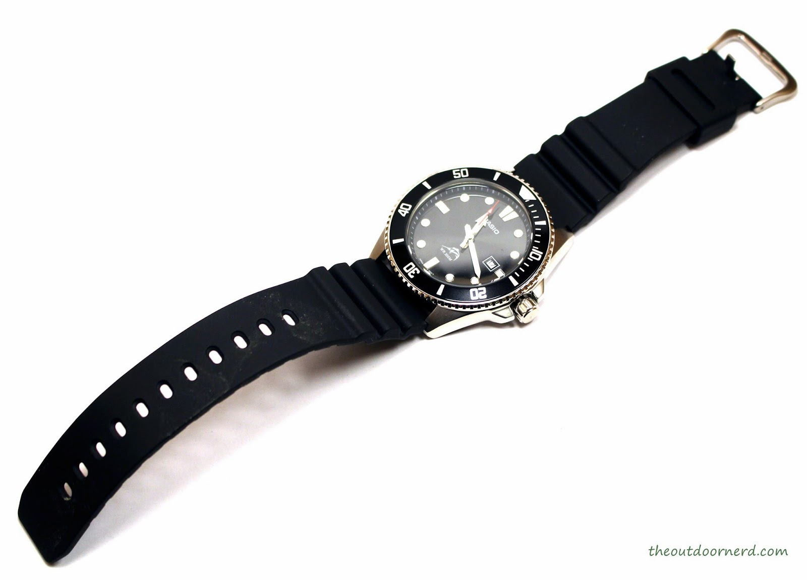 Casio MDV106-1A Diver's Watch: Entire Watch Top View