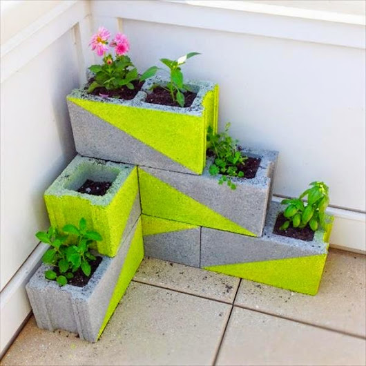 RECYCLE & SAVE WORLD: Concrete Block Garden