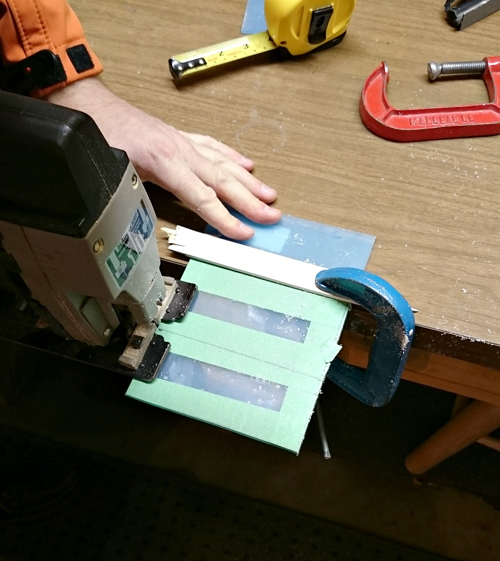 Cutting acrylic sheets