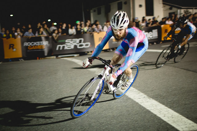 Pink Rhino Racing Steve Frattini races Red Hook Crit.
