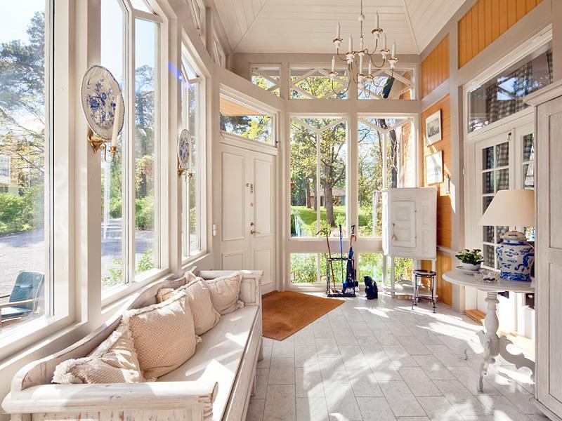 arredamento country veranda country. Black Bedroom Furniture Sets. Home Design Ideas
