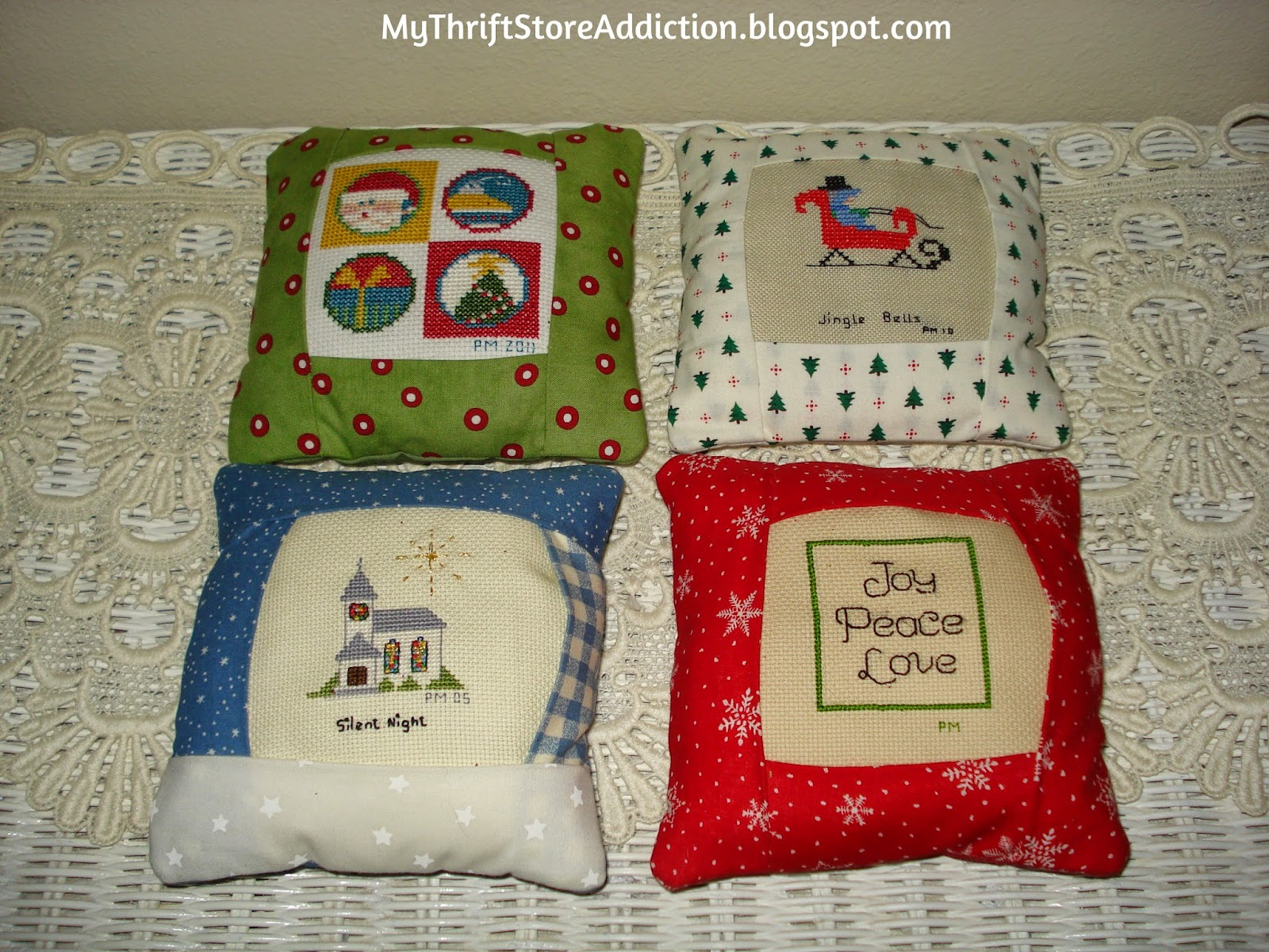 Handmade Christmas mini pillows
