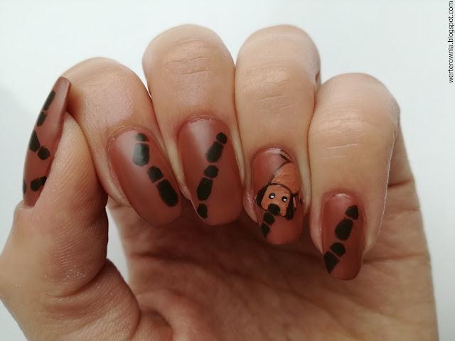 paznokcie w pieski w stylu detektywistycznym