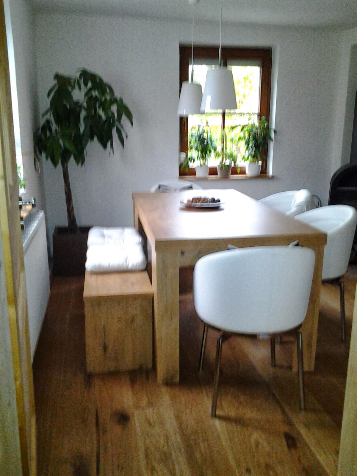Esszimmer Klein Landhaus Tisch Mit Stuhle Weiss Gebeizt Geolt 2 Farbig
