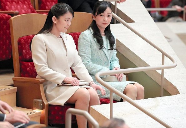 Princess Mako and her younger sister Princess Kako attended the concert of the Chiba Prefecture Boys and Girls Orchestra