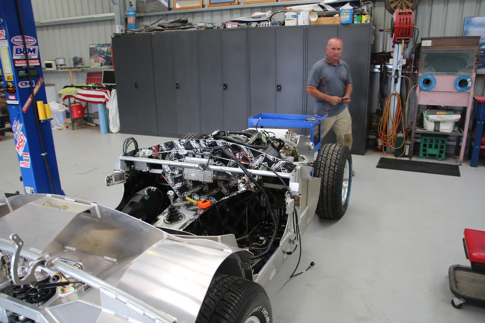 Cobra Dreaming Getting A Little Further Advanced Wiring Harness The Auto Elec Managed To Get Ford Racing Through Cabin Via Large Hole In Top Of Transmission Tunnel Which Will Require