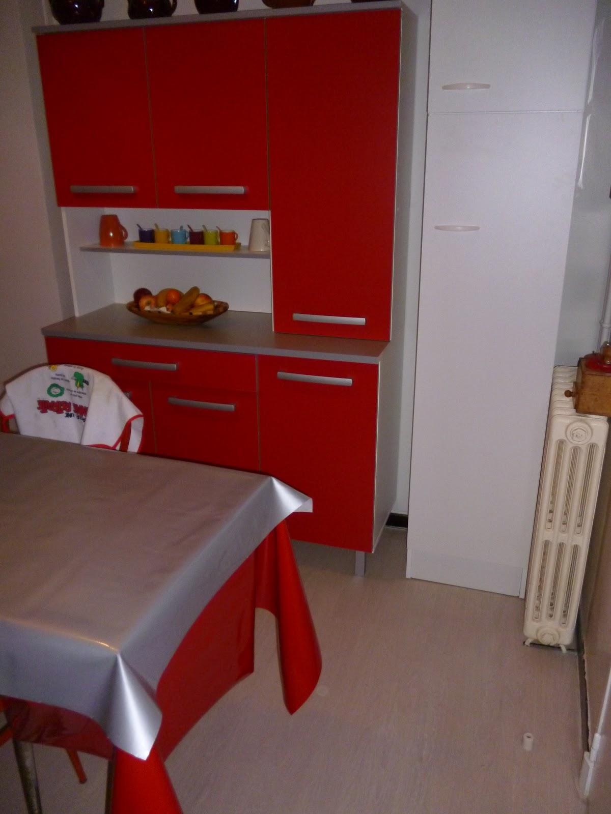 amazing parquet flottant et pose meubles cuisine with. Black Bedroom Furniture Sets. Home Design Ideas